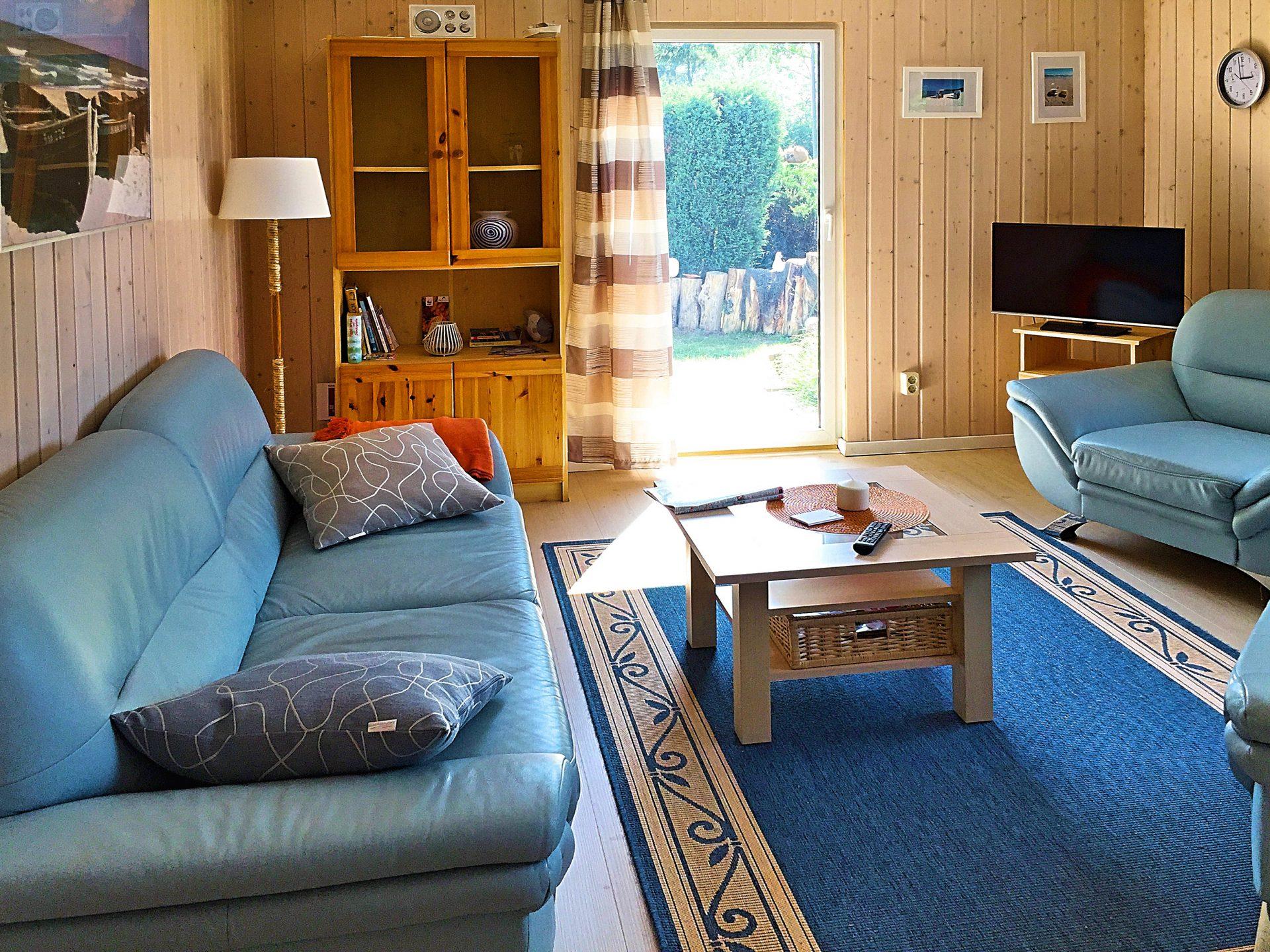 Wohnzimmer im weißen Ferienhaus